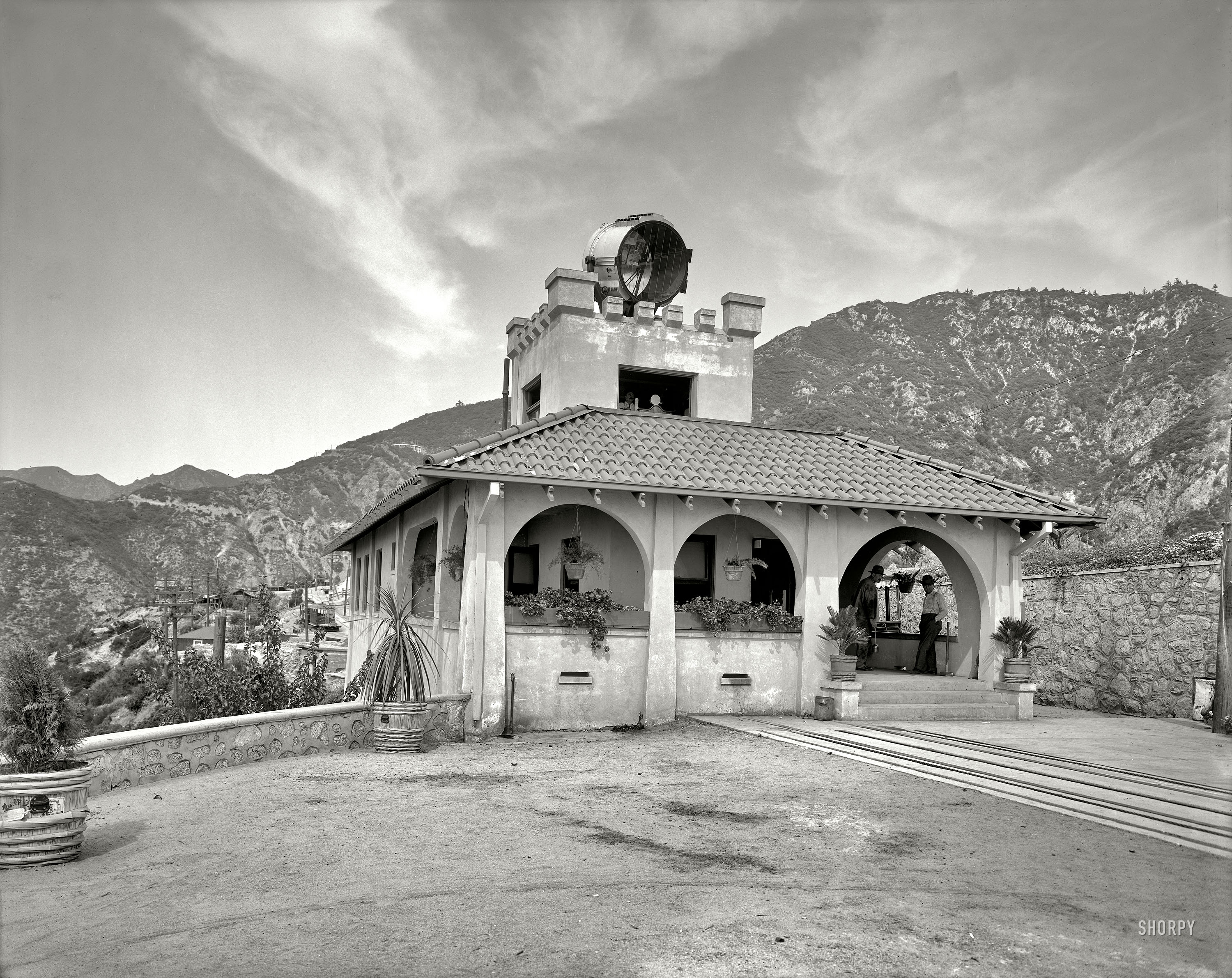 Mount Lowe, California, circa 1913. Powerhouse and incline station, Mount Lowe Railway..jpg